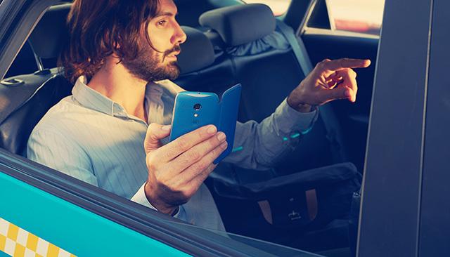 moto-g-story-multitasking-mobile